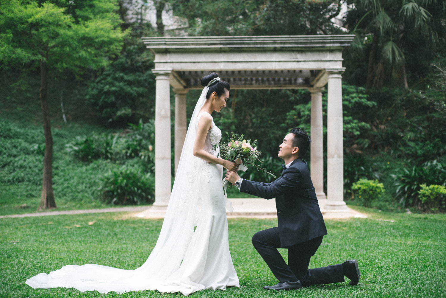 Filipino Wedding Traditions.Five Things You Need To Know About Chinese Filipino Weddings Calyxta