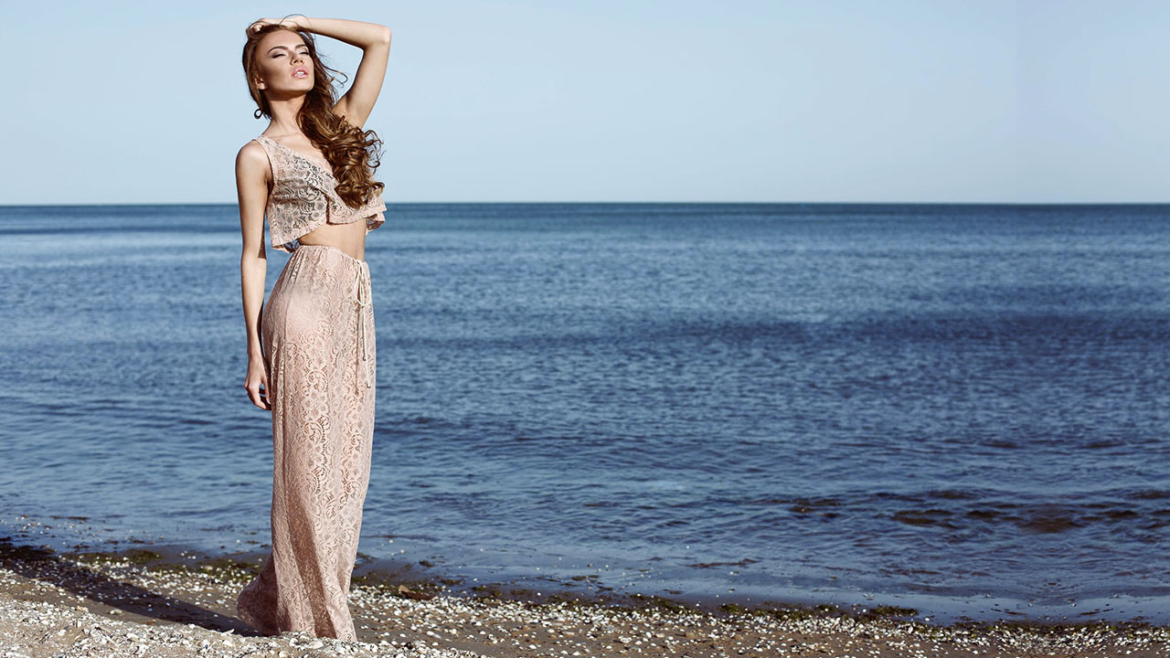 Wedding Guest Outfits to Wear to Beach Weddings - Calyxta