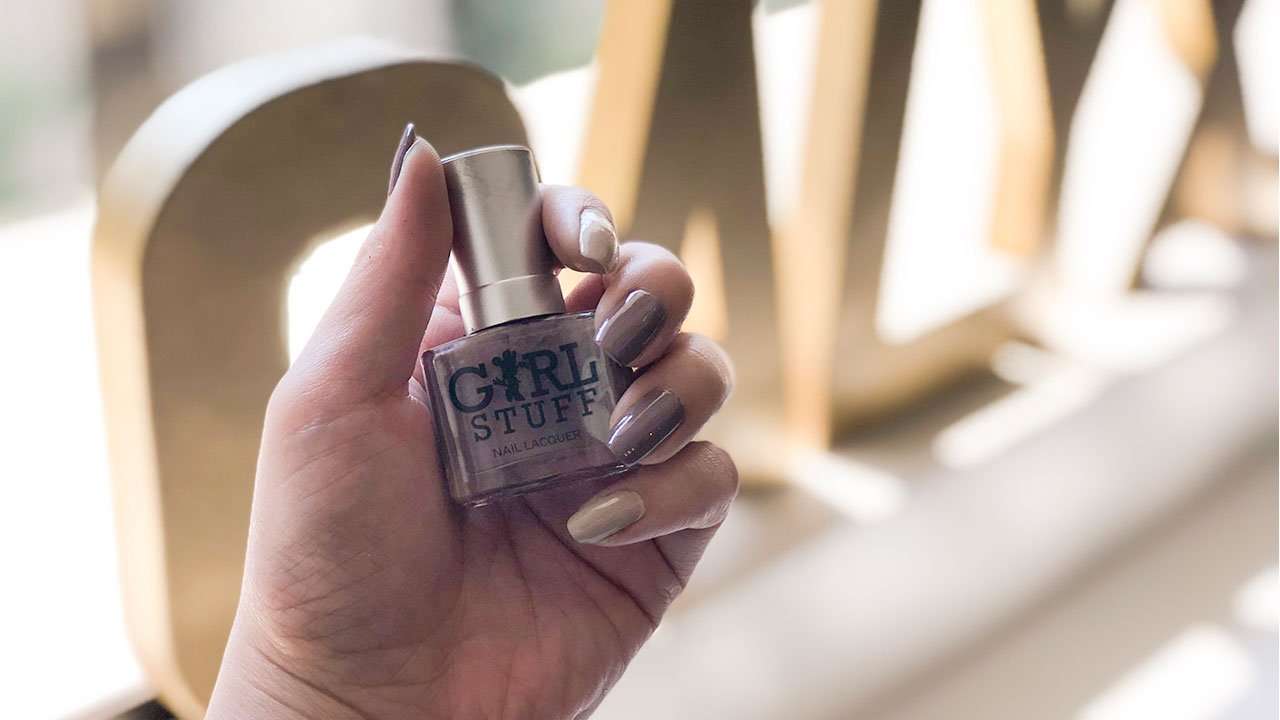Perfect Pair Nail Color Combinations For Different Moods